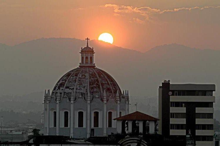 La cúpula del templo necesita ser reforzada. Foto Prensa Libre: Óscar Rivas.