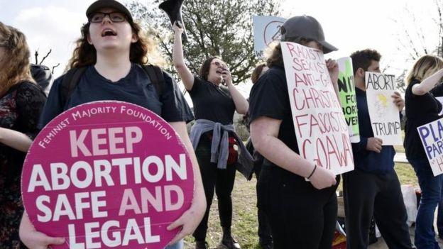El aborto sigue siendo un tema muy dividido en la sociedad estadounidense. AP