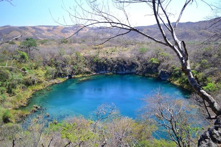 Los cenotes de Candelaria son unos de los más conocidos en Guatemala. (Foto Prensa Libre: Ángel Elías)