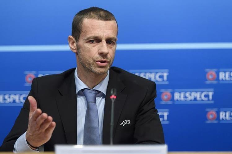 Aleksander Ceferin, presidente de la Uefa, durante la conferencia de prensa brindada este jueves en la ciudad de Nyon en Suiza.(Foto Prensa Libre: AP)
