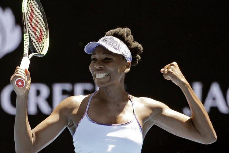 Serena Williams logró su décimoprimero pasaje a cuartos de final del abierto de Australia. (Foto Prensa Libre: AFP)