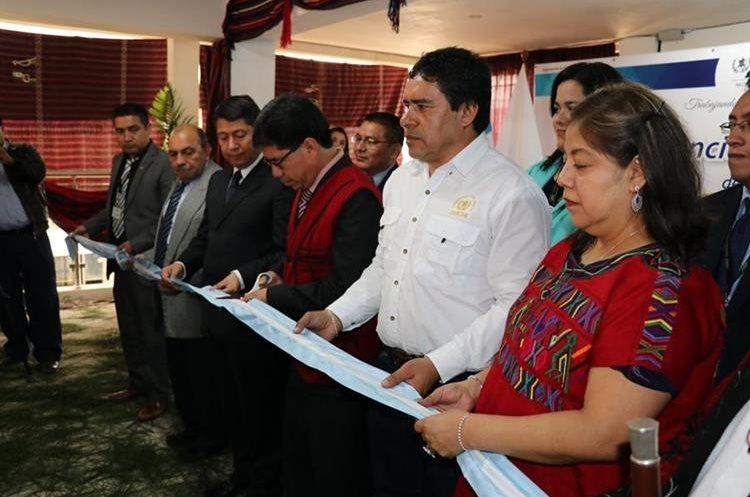 Autoridades inauguran la nueva sede de la agencia de la Fiscalía de la Mujer, en Nebaj, Quiché. (Foto Prensa Libre: Héctor Cordero)