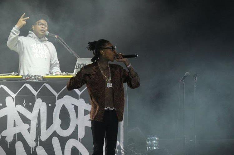 Wiz Khalifa fue otro de los cantantes esperados en el festival