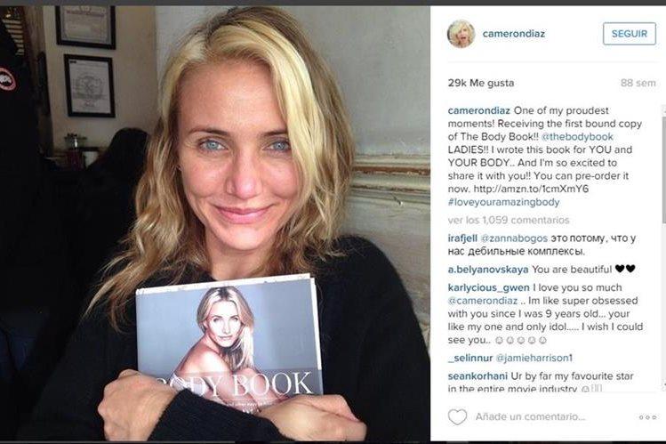 Cameron Diaz hizo la presentación oficial de su libro Body Book, y aprovecho hacerlo sin maquillaje. (Foto Prensa Libre: Tomada de Instagram/camerondiaz).