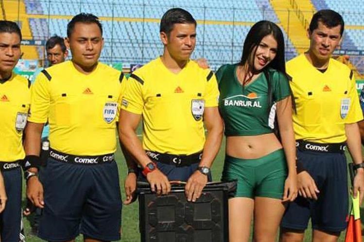 Armando Reyna será el árbitro en el duelo que sostengan Petapa frente a Suchitepéquez. (Foto Prensa Libre: Internet)