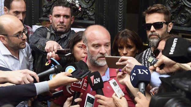 Sergio Maldonado confirmó el viernes en la noche que el cuerpo encontrado era de su hermano. Además, criticó las acciones del gobierno. AFP