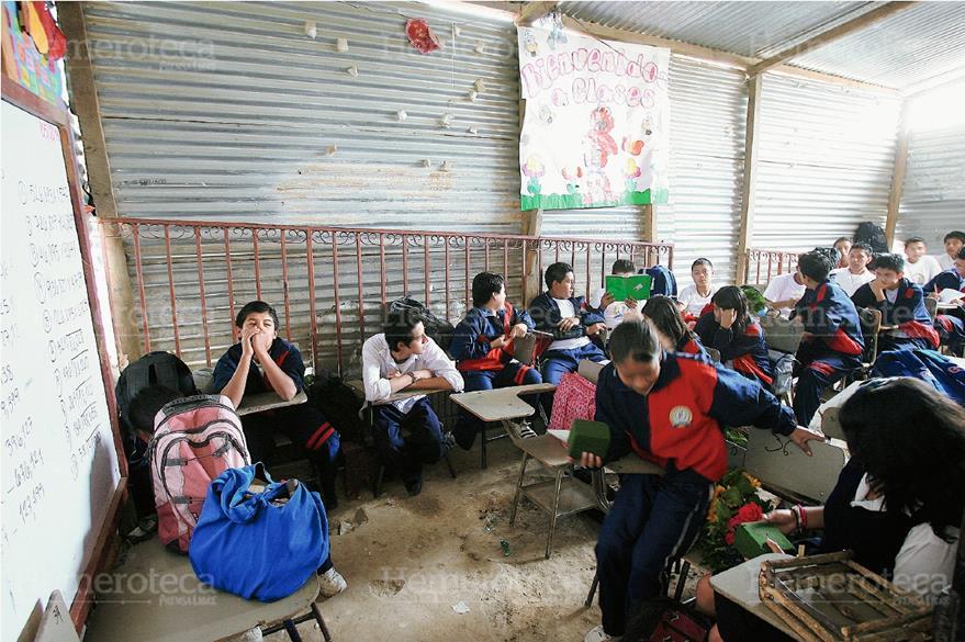 Carencias en escuela de aldea El Porvenir,  Villa Canales, Guatemala. (Foto: Hemeroteca PL)