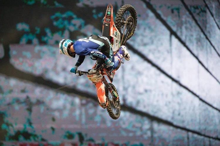 Destin Cantrell, en la prueba de Moto X. (Foto Prensa Libre: X Games)