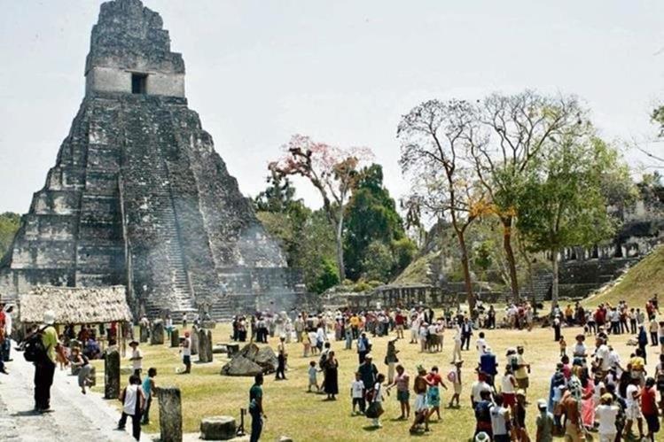 Tikal en Petén es uno de los lugares preferidos por los extranjeros. (Foto Prensa Libre: Hemeroteca PL)