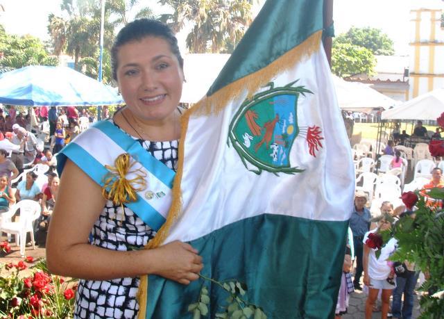 Blanca Alfaro (Masagua, Escuintla) reelecta,   dará  prioridad al tema educativo. Tiene planificada la construcción de institutos y crear becas a estudiantes de escasos recursos.