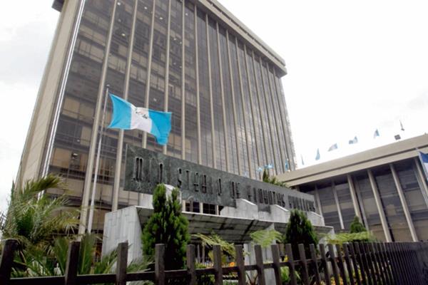Finanzas podría concluir con la venta de los bonos del Tesoro en abril próximo.
