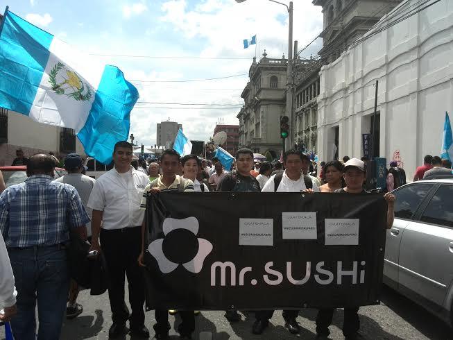 Cientos de restaurantes y empresas se sumaron al paro nacional. (Foto Prensa Libre: Rosa María Bolaños)