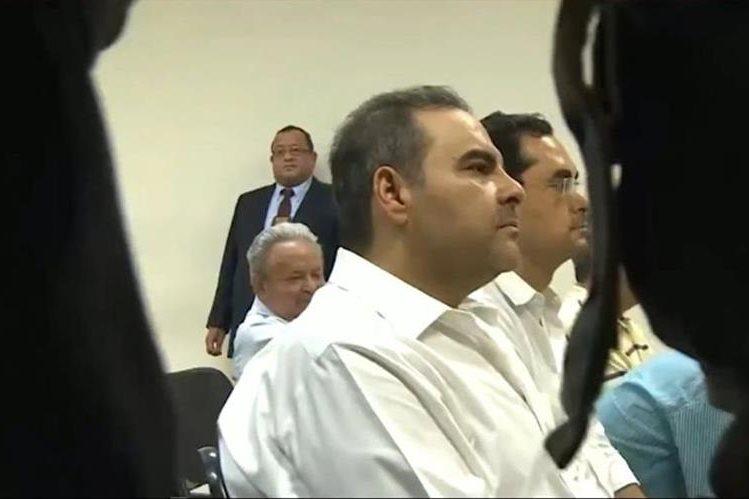 El expresidente Elías Antonio Saca es procesado por trama de corrupción. (AFP).