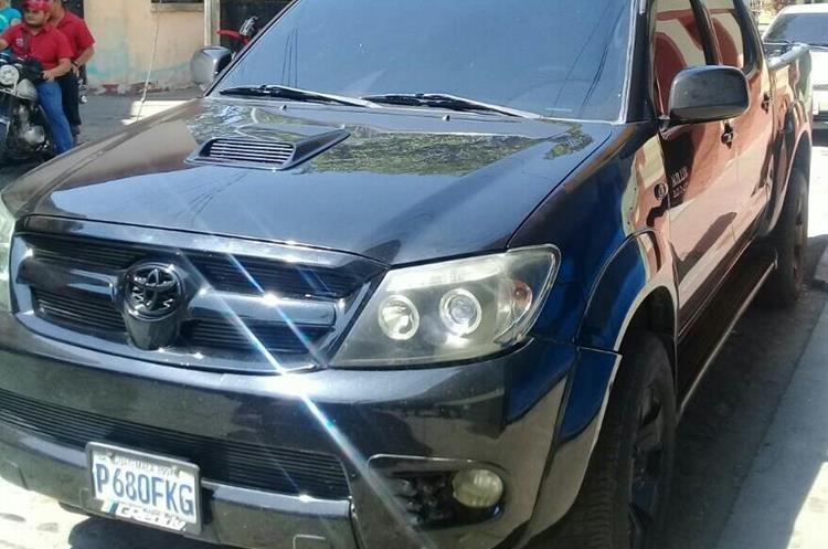 Picop reportado por robo en la zona 15 de la capital, y recuperado en Gualán, Zacapa. (Foto Prensa Libre: PNC)