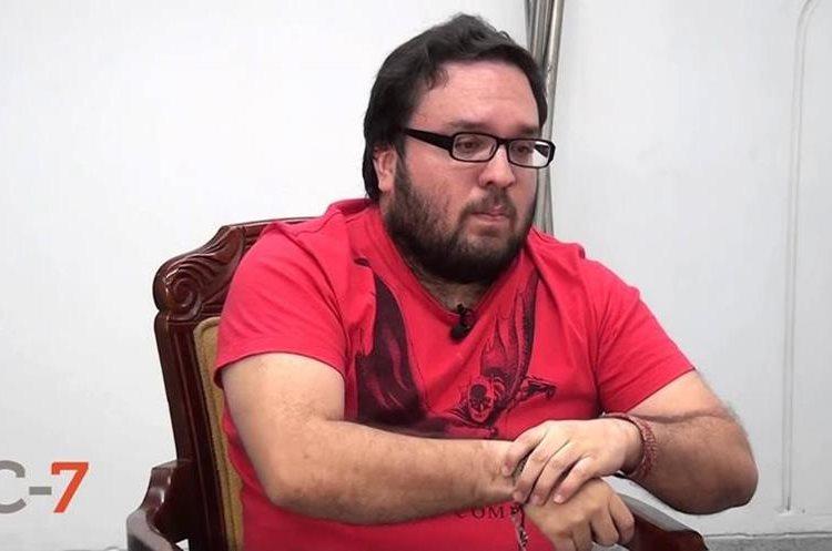 Iván Gallo, escritor y ensayista colombiano. (Foto Prensa Libre: YouTube)