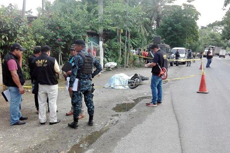 Un comerciante fue ultimado en La Ruidosa, Morales, se presume que era extorsionado.(Foto Prensa Libre: Dony Stewart.)