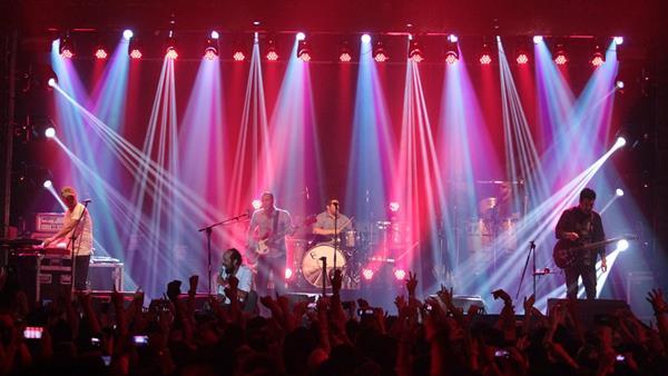Bohemia Suburbana cautivó a sus seguidores y comenzó la gira en la que promociona su nuevo álbum. (Foto Prensa Libre: Keneth Cruz)