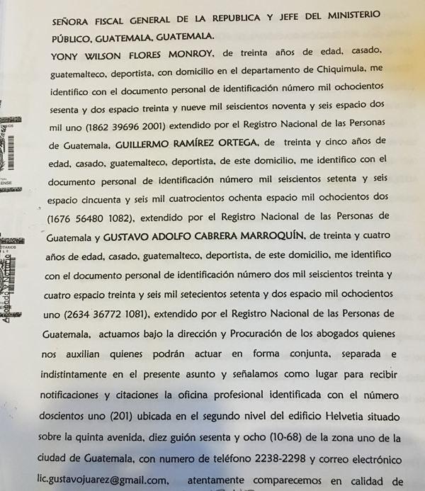 Esto es parte del expediente de la denuncia presentada por los jugadores en el 2012 contra la Fedefut y su comité ejecutivo. (Foto Prensa Libre: Hemeroteca PL)