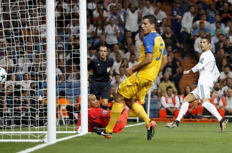 Cristiano Ronaldo marcó un doblete en el triunfo contra el Apoel.