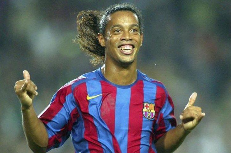 Ronaldinho vivió en el Barcelona una de las mejores etapas de sus carrera. (Foto Prensa Libre: AFP).
