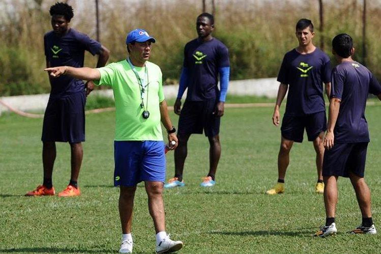 Mauricio Tapia no estará en el primer encuentro de Antigua GFC contra Xelajú, el próximo sábado. (Foto Prensa Libre).