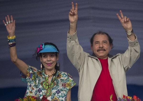 Rosario Murillo junto a su esposo Daniel Ortega, presidente de Nicaragua. (Foto Hemeroteca PL).