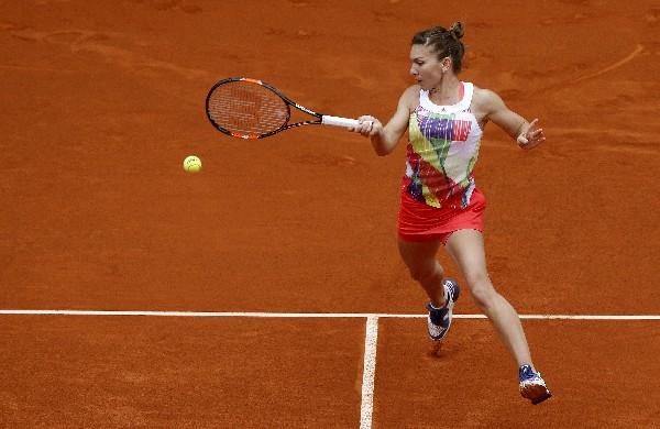 La tenista rumana Simona Halep disputará la final del abierto de Madrid. (Foto Prensa Libre: EFE).