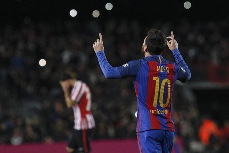 Leo Messi marcó un golazo de tiro libre. (Foto Prensa Libre: EFE)