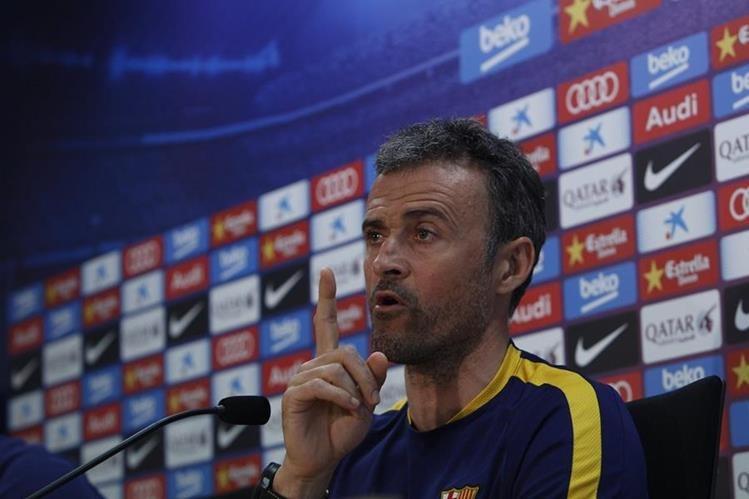 El técnico Luis Enrique Martínez durante la conferencia de prensa con los periodistas después del entrenamiento del FC Barcelona.(Foto Prensa Libre: EFE)