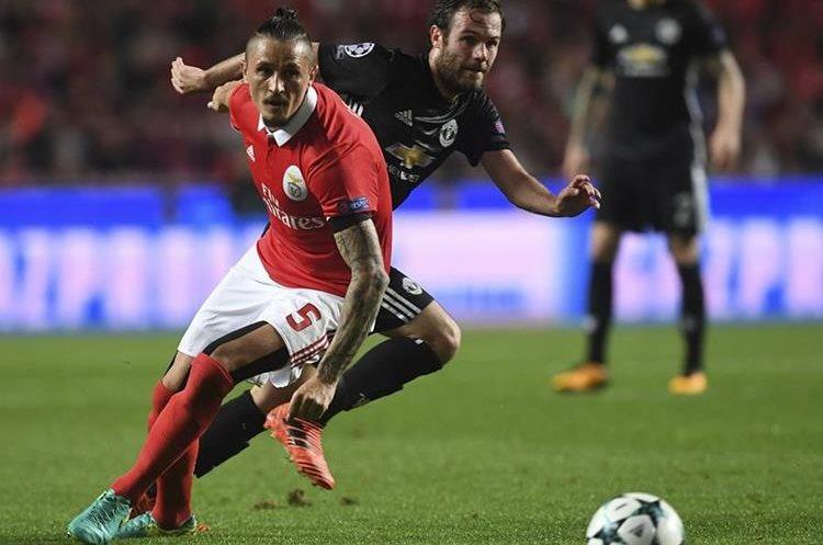El Manchester United venció 1-0 de visita al Benfica de Portugal. (Foto Prensa Libre: AFP)