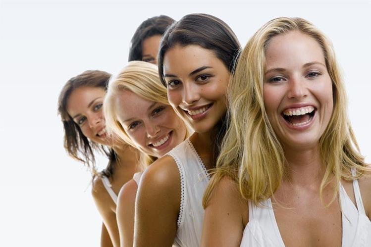 El 3.9 por ciento de las mujeres estadounidenses declaró ser bisexual, frente al 1.2 por ciento de los hombres.