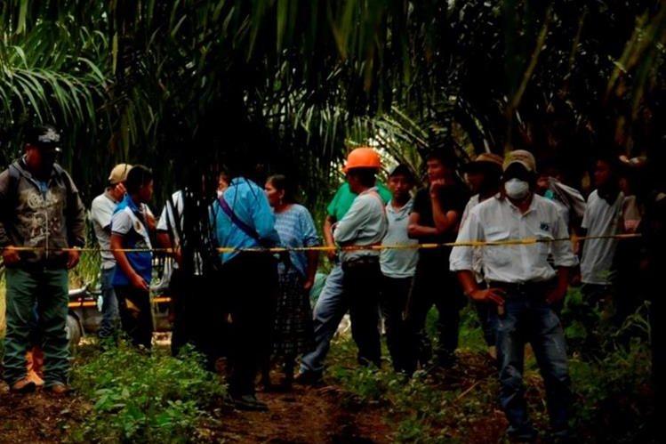 Lugar donde fue localizado el cadáver de Benjamín Roderico Ic Coc, en Sayaxché. (Foto Prensa Libre: Rigoberto Escobar).