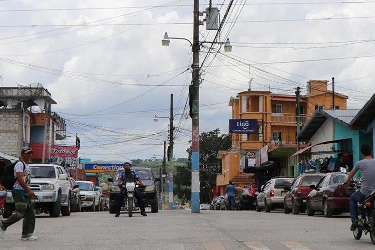 La comunidad La Blanca donde sucedió el hecho queda a 25 kilómetros de la zona urbana de Melchor de Mencos. (Foto Prensa Libre: Rigoberto Escobar)