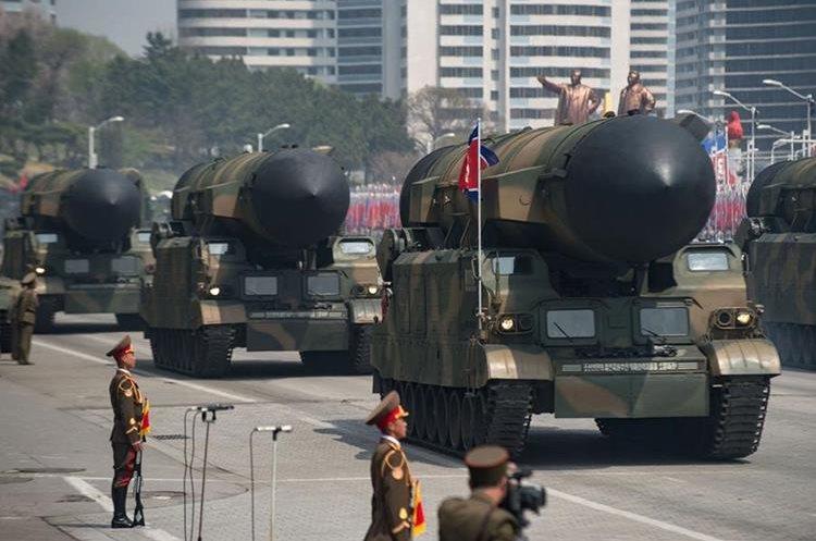 Arsenal de Corea del Norte que muestra en desfile militar. (AFP)
