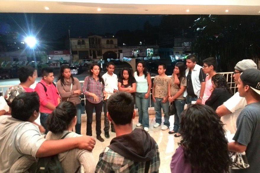 Conexión es un colectivo de jóvenes que busca el desarrollo social a través del arte. (Foto Prensa Libre: Conexión).