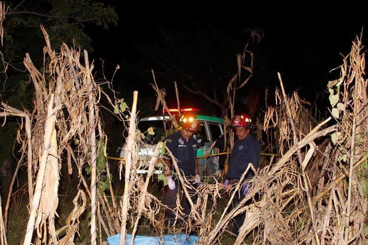 Lugar donde quedó el cadáver de Gómez Ovalle, en El Tejar, Chimaltenango. (Foto Prensa Libre: Víctor Chamalé).