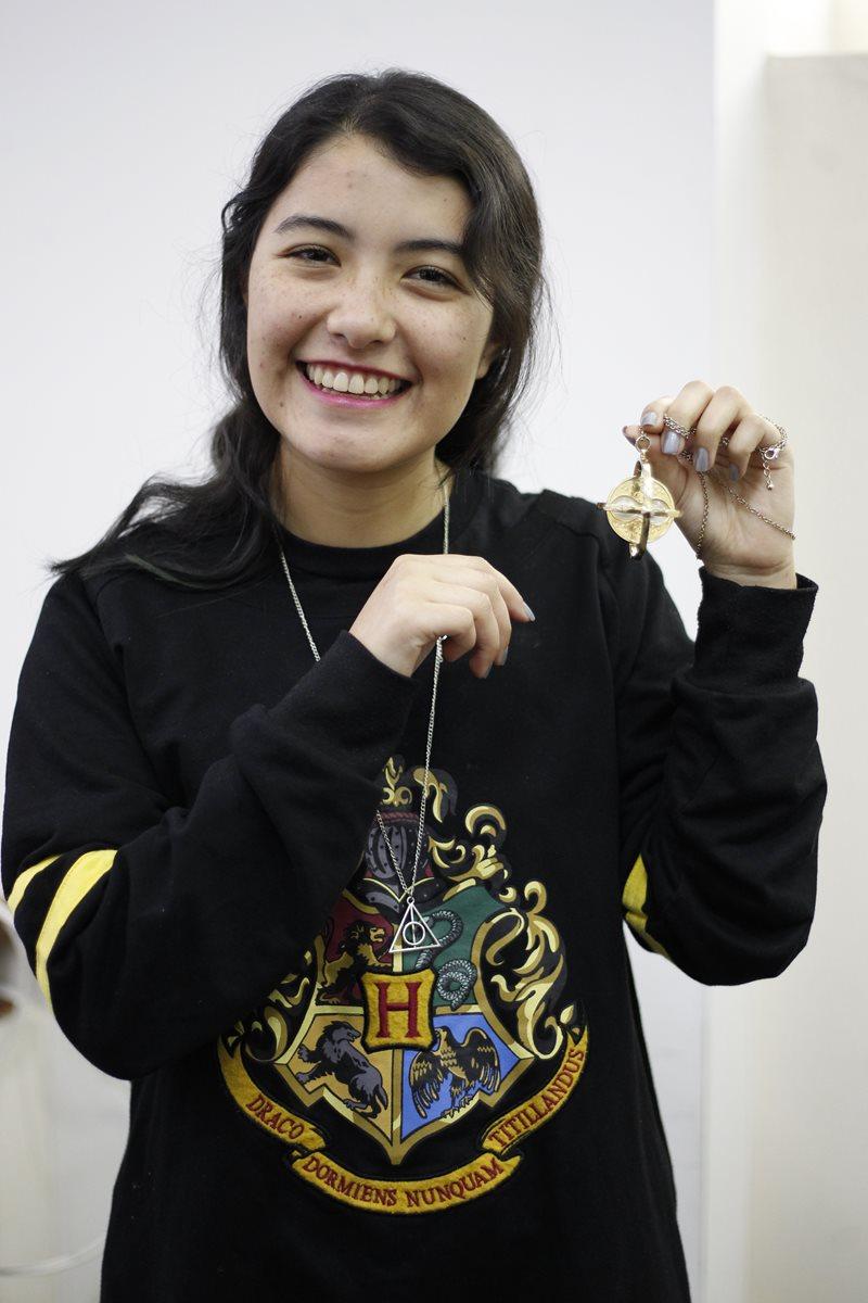 Lourdes Contreras, seguidora de los libros de Harry Potter.  Fotografía: Paulo Raquec