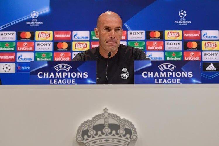 Zinedine Zidane durante la conferencia de prensa del Real Madrid previo a la final de la Champions League. (Foto Prensa Libre: AFP)