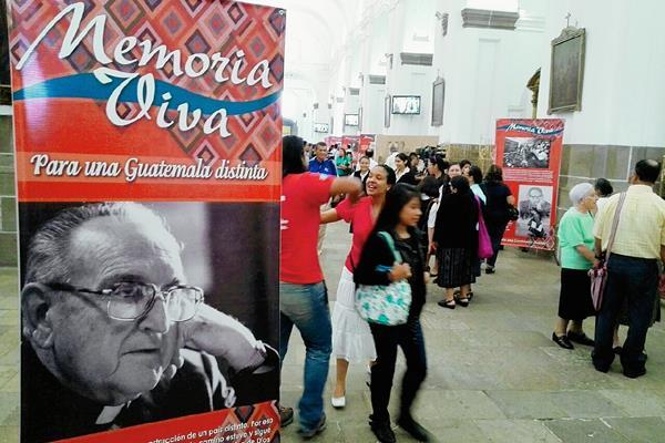 Se conmemoran 17 años de la muerte de Juan José Gerardi. (Foto Prensa Libre: Edwin Bercián).