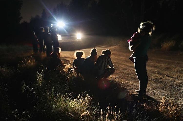 Miles de centroamericanos llegan cada año a EE. UU. Huyen de la violencia y la miseria. (Foto Prensa Libre: AFP)