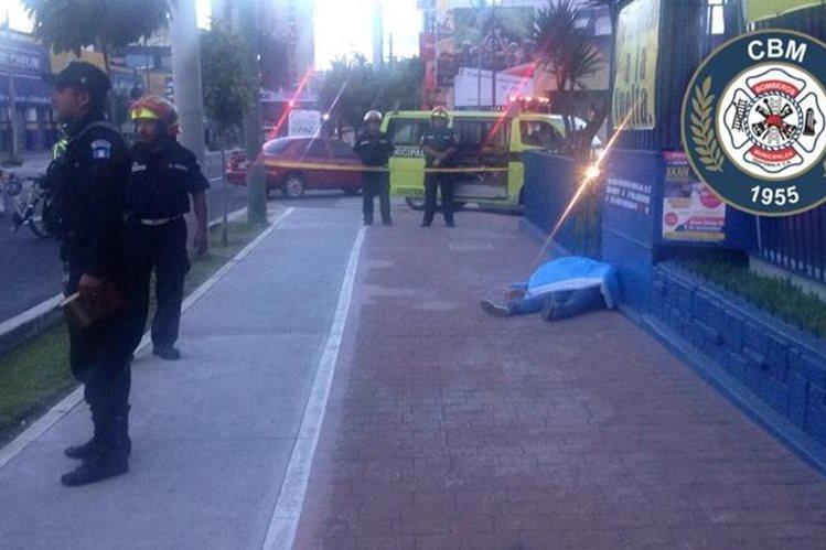 Jeremy Abraham Barrios, de 22 años murió baleado este sábado en la zona 4. (Foto Prensa Libre: CBM)