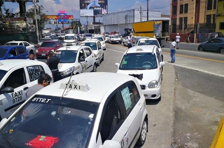 Los taxis avanzarán únicamente por la vía del Transmetro, según anunciaron.