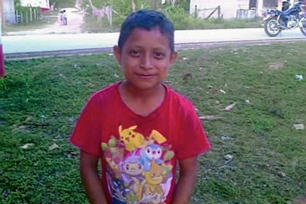 Yordi Alexánder  Pérez Ramos, de 8 años, se ahogó en el río Machaquilá, en Poptún, Petén. (Foto Prensa Libre: Rigoberto Escobar)