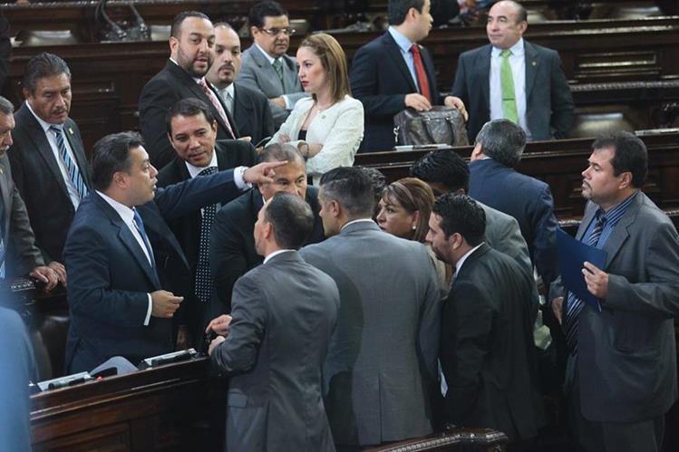 El decreto de presupuesto cambia el destino del manejo de fondos de los consejos de Desarrollo hacia los alcaldes. (Foto Prensa Libre: Hemeroteca PL)