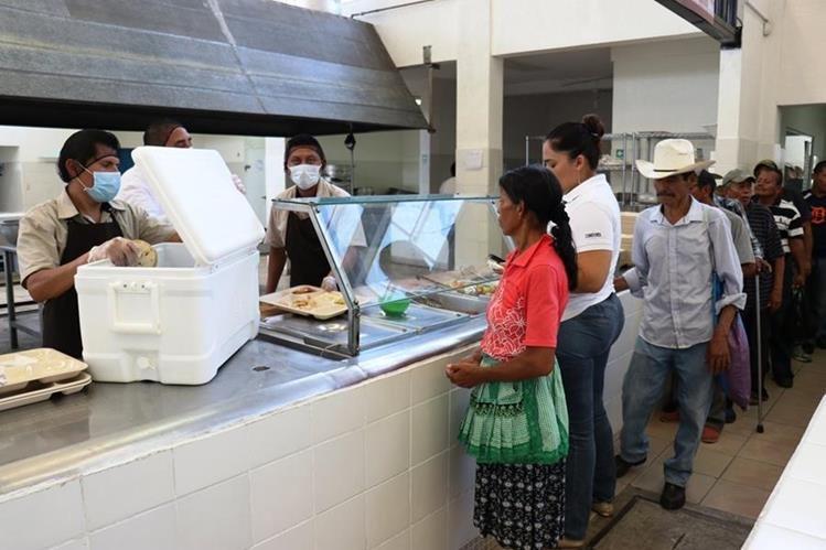 El comedor social de Chiquimula fue reinaugurado por el vicepresidente Jafeth Cabrera. (Foto Prensa Libre: Mario Morales)