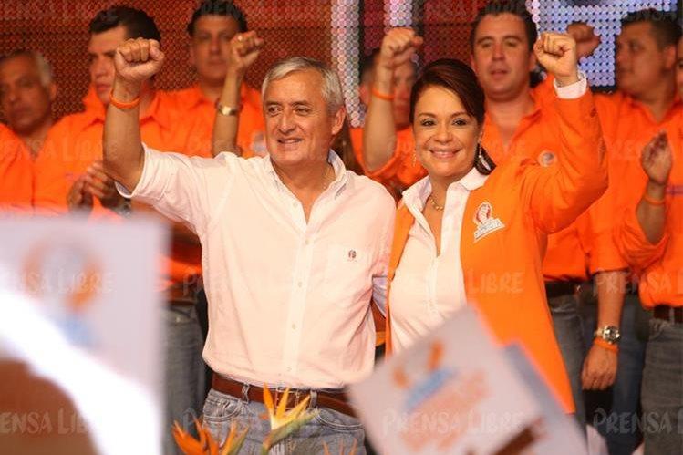 Otto Pérez Molina y Roxana Baldetti durante un mitín del PP en 2011. (Foto Prensa LIbre: Hemeroteca PL)