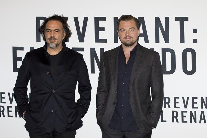 González Iñárritu y Leonardo DiCaprio agradecen el apoyo del filme The Revenant en México. (Foto Prensa Libre: AP)
