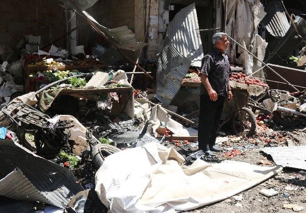 Daños causados por los bombardeos en Idlib, Siria. (AFP)