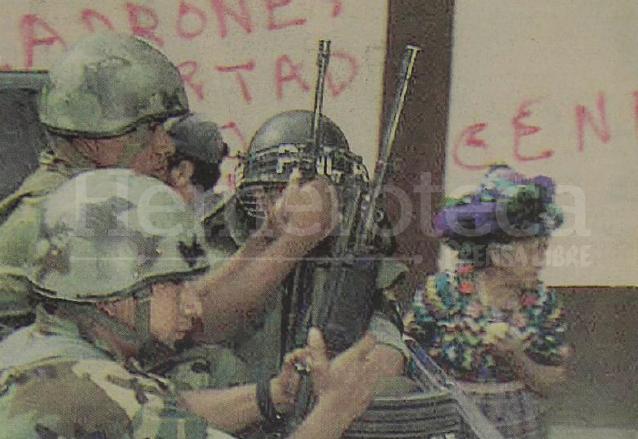La presencia militar causó zozobra entre la población de Totonicapán por la represión en el conflicto armado interno. (Foto: Hemeroteca PL)