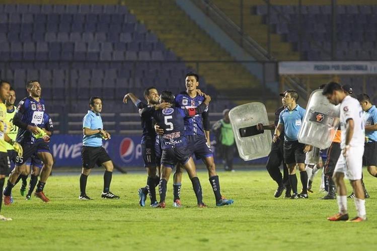 Suchitepéquez dejó en el camino a Comunicaciones y quiere el título. (Foto Prensa Libre: Norvin Mendoza)